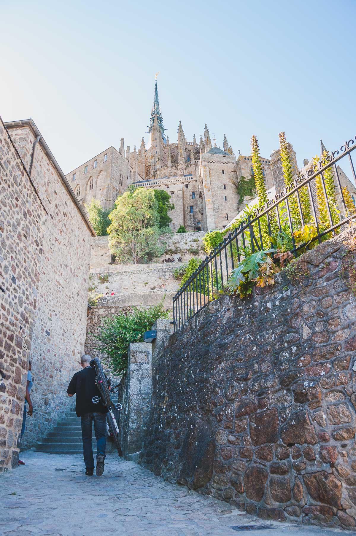 Le Mont Saint-Michel dorp