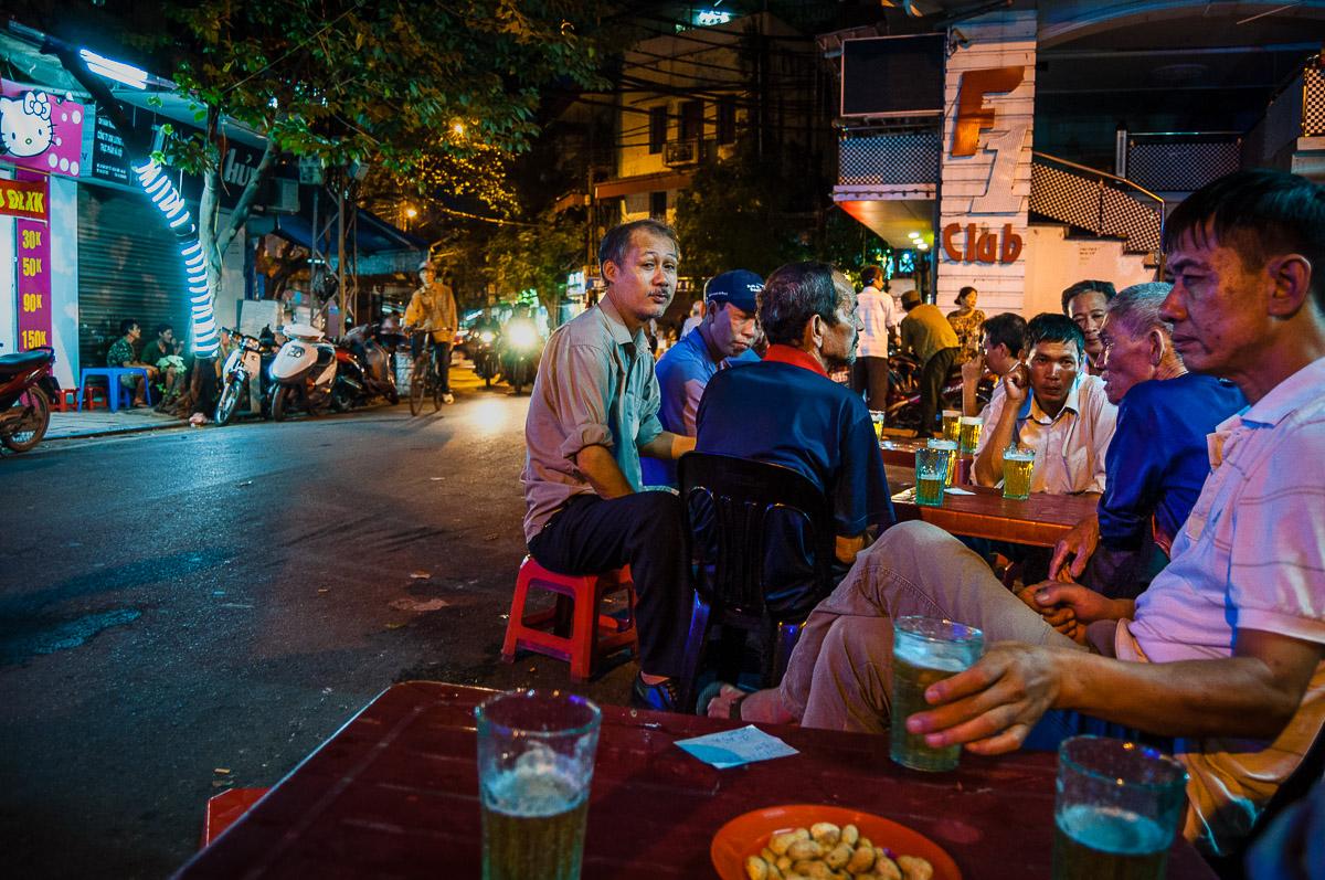 Bia Hoi café Hanoi